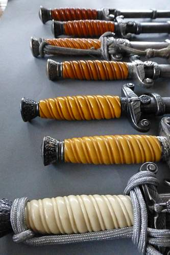 Different styles of Heer grips