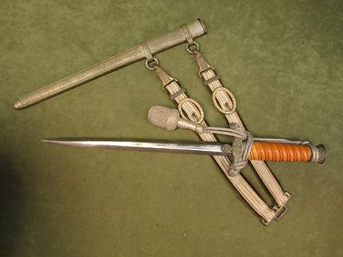 Click image for larger version.  Name:Dagger Set by WKC 4.jpg Views:24 Size:144.1 KB ID:784065