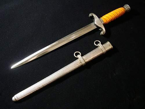 Click image for larger version.  Name:Army Officer Dagger - 06b.jpg Views:102 Size:154.3 KB ID:82597