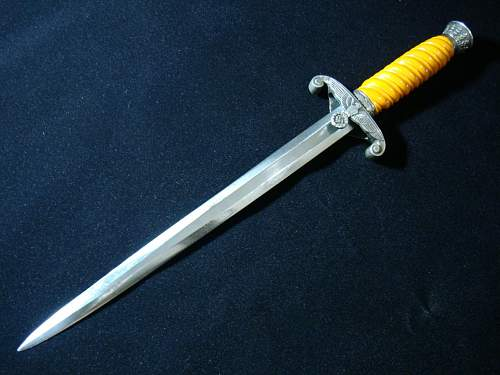 Click image for larger version.  Name:Army Officer Dagger - 06c.jpg Views:88 Size:173.8 KB ID:82598