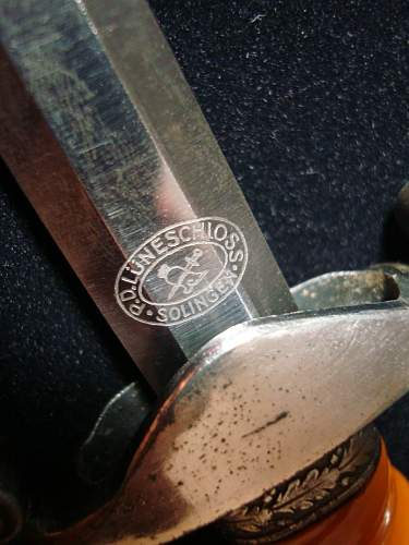 Click image for larger version.  Name:Army Officer Dagger - 06k.jpg Views:112 Size:153.9 KB ID:82604