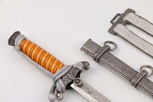 Etched Heer dagger
