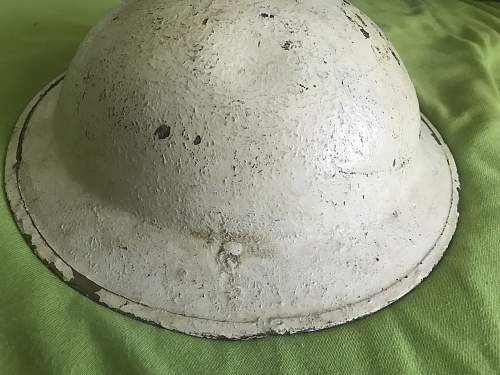 Original South African Mk2 helmet from 1942 white overpainted?