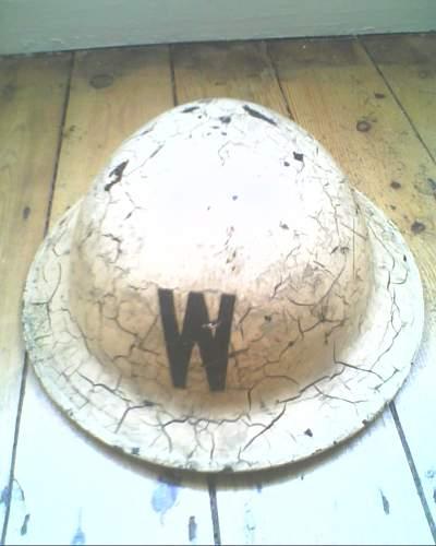 ww2 possible ww1 helmets unsure though need help identifying