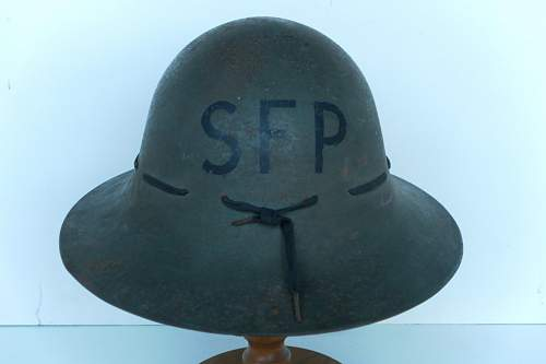 Click image for larger version.  Name:ww2britishhelmets 263_1024x683.jpg Views:49 Size:79.6 KB ID:288502