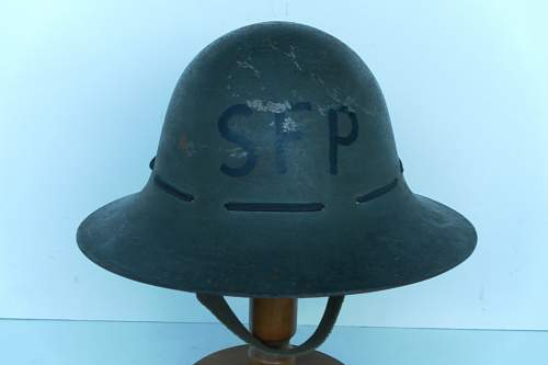 Click image for larger version.  Name:ww2britishhelmets 261_1024x683.jpg Views:59 Size:75.3 KB ID:288503