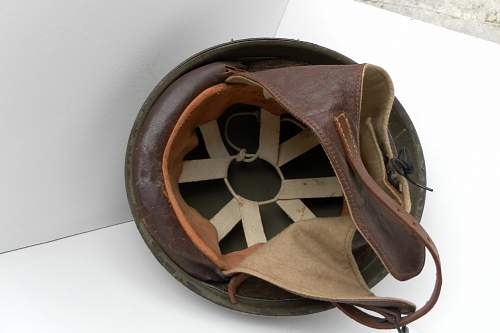 Click image for larger version.  Name:ww2britishhelmets 838_1280x853.jpg Views:140 Size:145.0 KB ID:310705