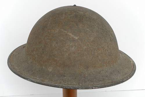Click image for larger version.  Name:ww2britishhelmets 877_1280x853.jpg Views:75 Size:168.3 KB ID:315031