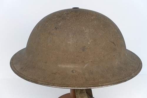 Click image for larger version.  Name:ww2britishhelmets 1233_1280x853.jpg Views:72 Size:157.8 KB ID:346639