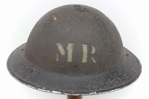 Click image for larger version.  Name:ww2britishhelmets 1362_1280x853.jpg Views:38 Size:153.4 KB ID:353968