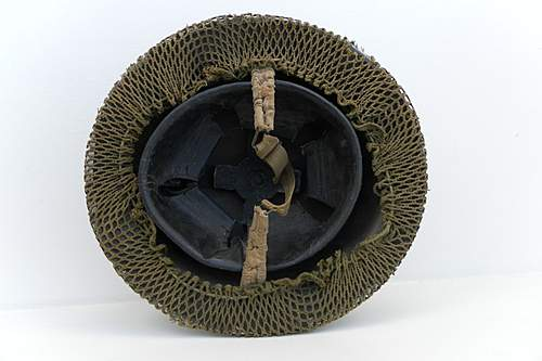 Click image for larger version.  Name:ww2britishhelmets 1604_1575x1050.jpg Views:43 Size:249.0 KB ID:390139