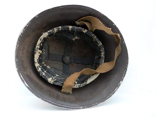 Click image for larger version.  Name:ww2britishhelmets 2158_1400x1050.jpg Views:139 Size:186.2 KB ID:438433