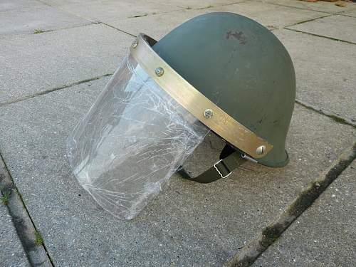 Helmet, Anti riot, visor attached