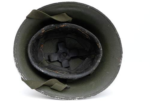 Click image for larger version.  Name:ww2britishhelmets 2194_1400x1050.jpg Views:132 Size:161.9 KB ID:443233