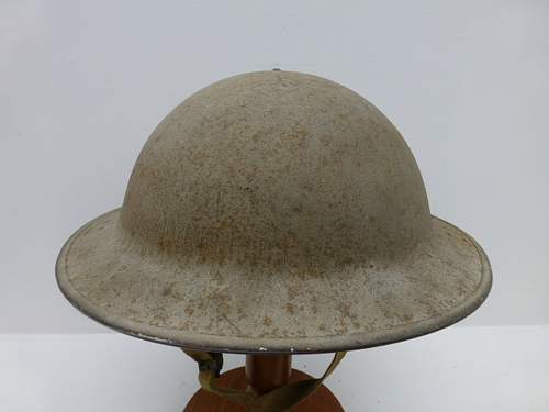 Click image for larger version.  Name:ww2britishhelmets 2700_1400x1050.jpg Views:72 Size:182.9 KB ID:475253