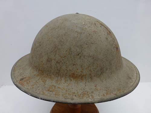 Click image for larger version.  Name:ww2britishhelmets 2702_1400x1050.jpg Views:75 Size:200.0 KB ID:475255