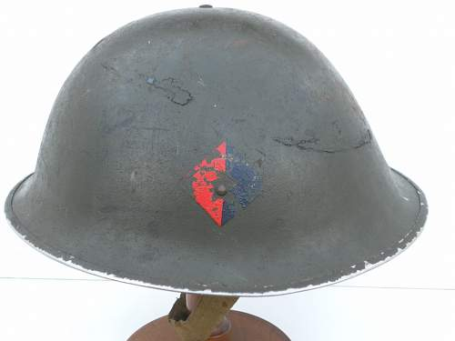 Click image for larger version.  Name:ww2britishhelmets 208_1024x768.jpg Views:30 Size:105.7 KB ID:502635