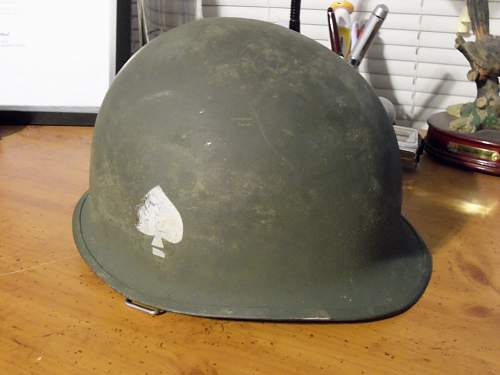 Click image for larger version.  Name:101st helmet right.jpg Views:254 Size:163.9 KB ID:527925