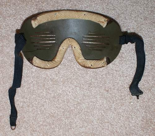 Click image for larger version.  Name:flak goggles2.jpg Views:113 Size:93.9 KB ID:534481