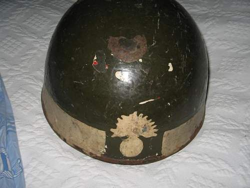 British dispatch riders helmet, 1944, but painted bomb?