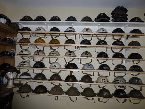 Click image for larger version.  Name:ww2britishhelmets 3591_1400x1050.jpg Views:116 Size:236.0 KB ID:621333