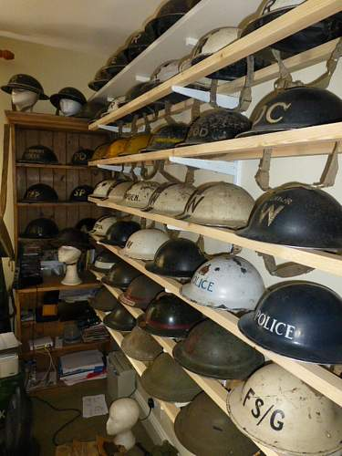 Click image for larger version.  Name:ww2britishhelmets 3593_1400x1050.jpg Views:52 Size:257.9 KB ID:621335