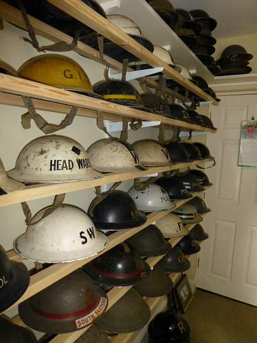 Click image for larger version.  Name:ww2britishhelmets 3594_1400x1050.jpg Views:43 Size:235.6 KB ID:621336