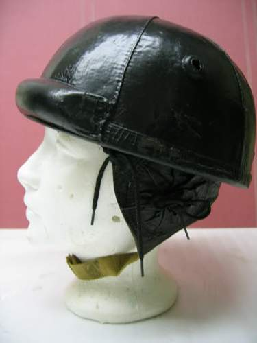 Early Canadian second pattern tankers crash helmet