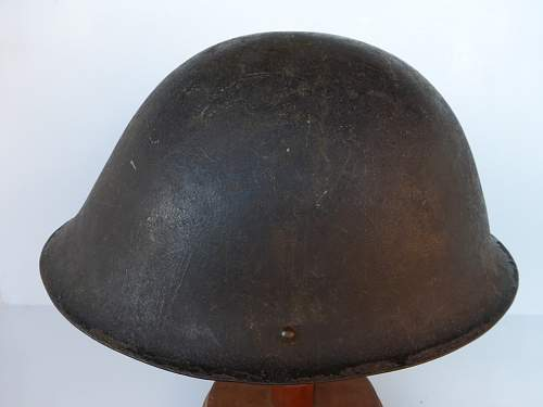 Click image for larger version.  Name:ww2britishhelmets 4206_1600x1200.jpg Views:38 Size:246.3 KB ID:630472