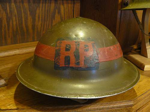 Canadian 1941 dated C.L./C. flashed to the Regimental Police