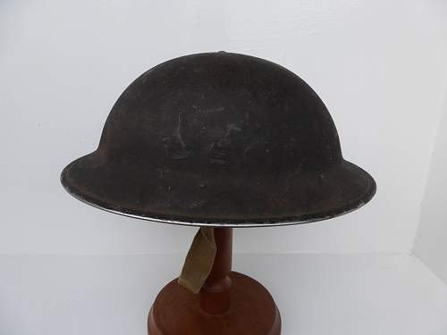 Click image for larger version.  Name:ww2britishhelmets 4427_1600x1200.jpg Views:13 Size:172.5 KB ID:669498