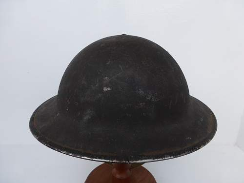 Click image for larger version.  Name:ww2britishhelmets 4428_1600x1200.jpg Views:9 Size:191.3 KB ID:669499