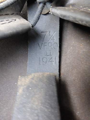 Click image for larger version.  Name:ww2britishhelmets 4436_1600x1200.jpg Views:13 Size:293.3 KB ID:669506