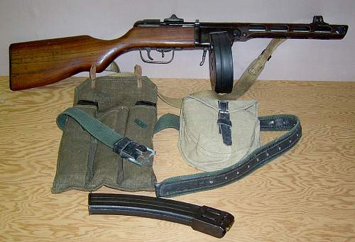 Click image for larger version.  Name:PPSh-41 smg dated 1943 with accessories.jpg Views:2716 Size:107.9 KB ID:68235