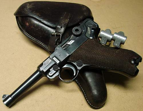 Click image for larger version.  Name:Baily's 1937 dated Luger with two matching magazines and 1937 dated holster.jpg Views:3516 Size:103.9 KB ID:68574