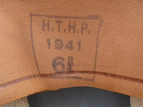 Click image for larger version.  Name:ww2britishhelmets 3800.jpg Views:18 Size:168.0 KB ID:699287