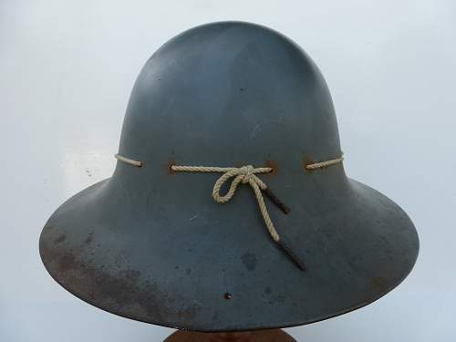 Click image for larger version.  Name:ww2britishhelmets 4822_1600x1200.jpg Views:13 Size:175.2 KB ID:716564