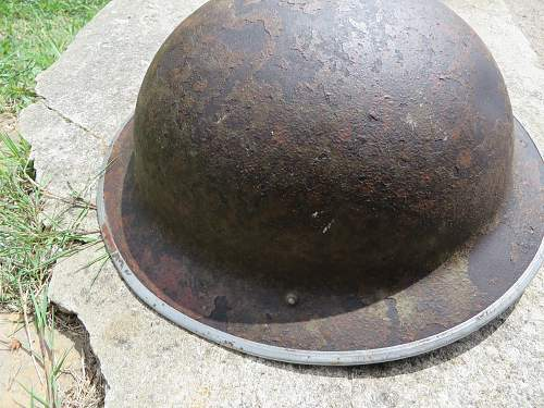 Is this a British camo helmet?