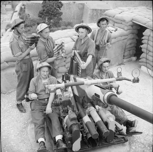 Click image for larger version.  Name:bofors-ack-ack-gun-crew-iwm.jpg Views:49 Size:98.3 KB ID:722096