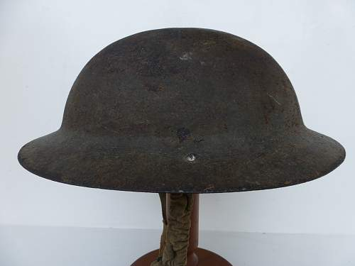Click image for larger version.  Name:ww2britishhelmets 5183_1600x1200.jpg Views:74 Size:226.3 KB ID:741157