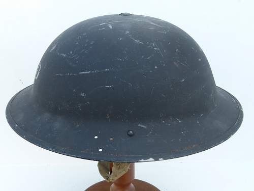 Click image for larger version.  Name:ww2britishhelmets 5206_1600x1200.jpg Views:103 Size:207.5 KB ID:743990