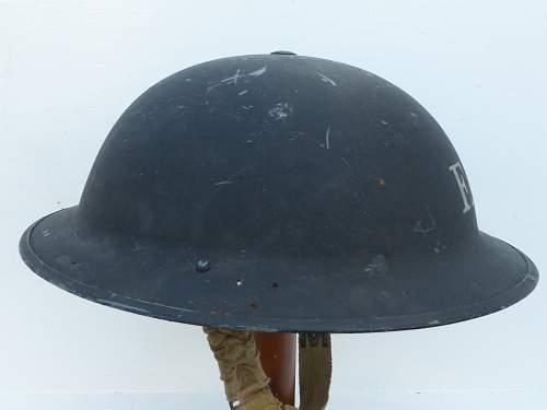 Click image for larger version.  Name:ww2britishhelmets 5208_1600x1200.jpg Views:64 Size:193.6 KB ID:743991
