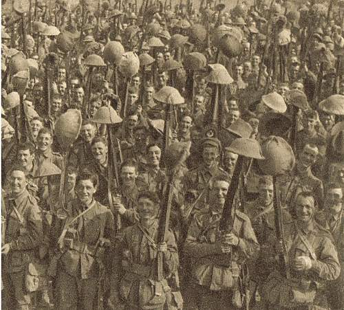 Click image for larger version.  Name:Australians parading for the trenches pc detail 2.jpg Views:31 Size:232.3 KB ID:744006
