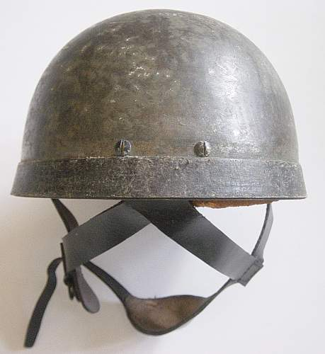 Click image for larger version.  Name:British Airborne helmet leather chinstraps 007.jpg Views:2136 Size:177.9 KB ID:78590