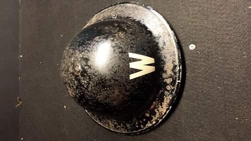 Ques Collection -- British MkII Air Raid Warden Helmet?