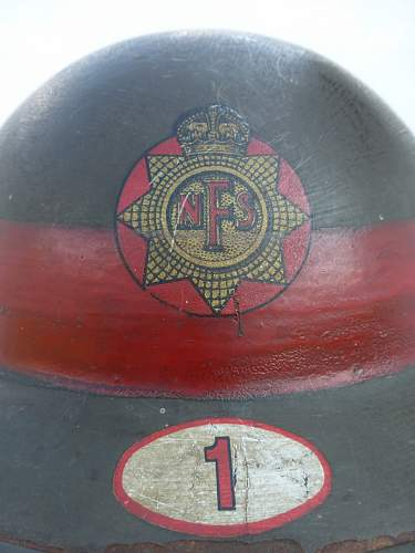 Click image for larger version.  Name:ww2britishhelmets 4894_1600x1200.jpg Views:27 Size:136.2 KB ID:929979