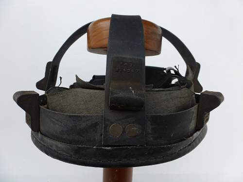 Click image for larger version.  Name:ww2britishhelmets 7169_1440x1080.jpg Views:33 Size:181.2 KB ID:967636