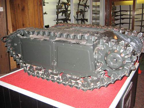Click image for larger version.  Name:tank museums 2 244.jpg Views:124 Size:256.5 KB ID:125463