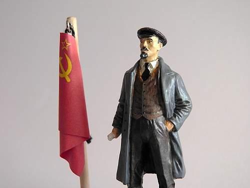 Vladimir Il'ich Ul'yanov (Lenin) figurine