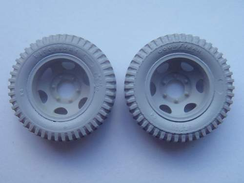 "Corrected wheels for ICM ""Studebaker US6"""